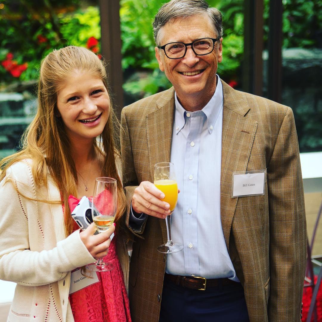 Jennifer Katherine Gates, adhuron babain e saj ...
