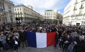 paris_attack_support_in_spain_afp_650