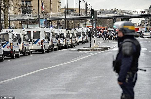 policia-franceze1