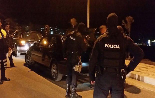 policia-arrestim-naten-1