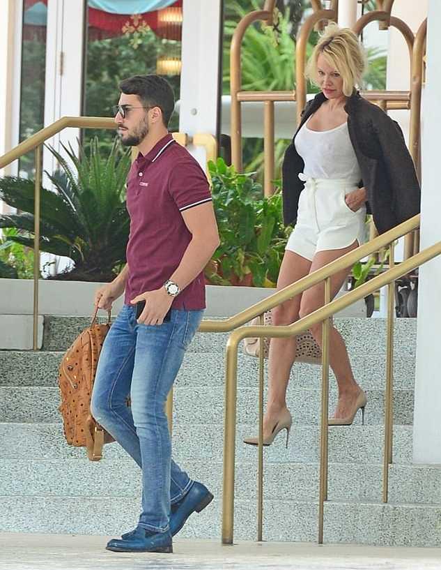 Fatmir Hysenbelliu dhe Pamela Anderson